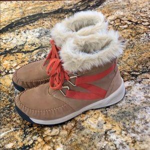 Columbia boots. Sz 9